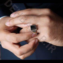 انگشتر نقره مردانه نگین مربعی-مشکی رنگ